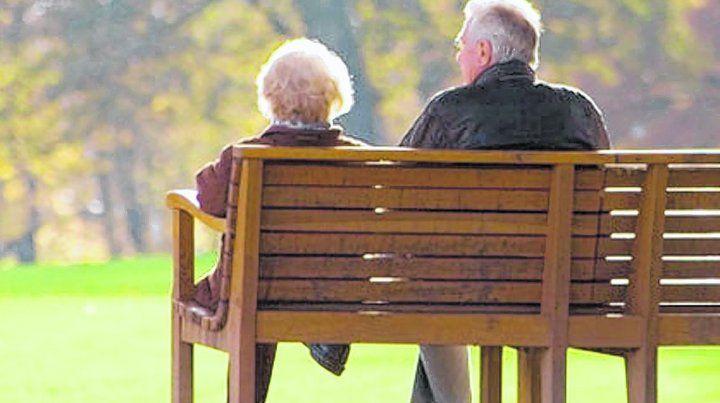 Los médicos geriatras sabemos que una persona mayor puede manejar perfectamente en promedio tres medicamentos