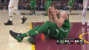 La lesión. Hayward se fracturó el tobillo izquierdo y estará fuera de las canchas.