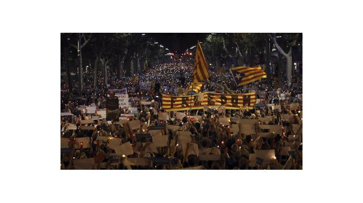 Protestas. Los independentistas se movilizaron para pedir la liberación de los detenidos bajo cargos de sedición.