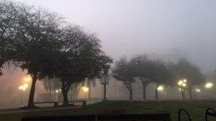 La región amaneció con bancos de nieblas y el SMN anuncia fuertes tormentas.