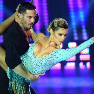 Mariela Anchipi y el bailarín Mauro Caiazza durante el bailando.