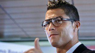 Todo bien. Una mujer paga una fortuna para conocer personalmente a Cristiano Ronaldo.
