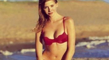 guillermina valdes compartio una serie de fotos retro muy sexy y en bikini