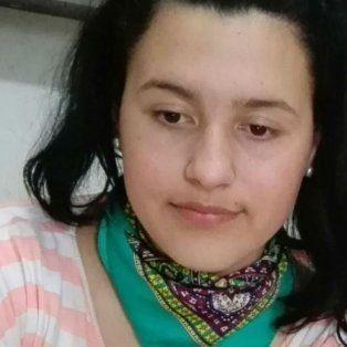 Mailén Irina Almirón tiene tez blanca, cabellos castaños claros, ojos marrones claros, 1,60 metros de altura, y contextura robusta.