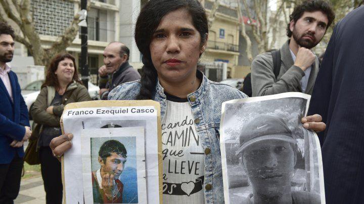 Trasladaron a cárceles federales a policías detenidos por la muerte de Franco Casco