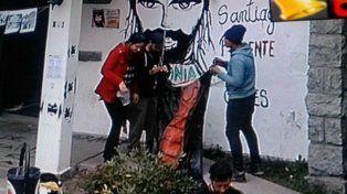 Un grupo de militantes del RAM ocuparon la sede de la Municipalidad de El Bolsón.