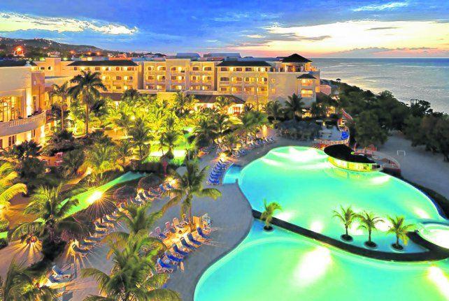 Un edén. Los hoteles de Iberostar acercan al visitante a las emociones más irresistibles que se pueden vivir en la isla.