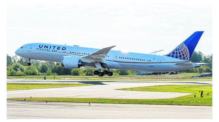 United Airlines premiada como la aerolínea del año