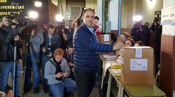 Corral votó en la escuela Vélez Sársfield.
