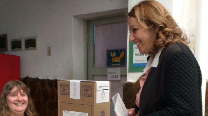 Fein dijo que es importante que los candidatos se comprometan con los temas de Rosario
