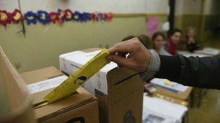 Pasado el mediodía ya había votado casi la mitad del padrón electoral.