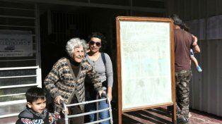 Cándida votó en el Instituto Zona Oeste de Santa Fe y Sucre.