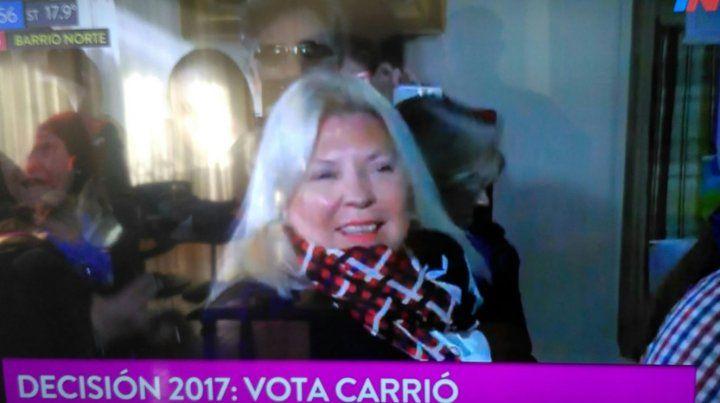 Carrió tomó un café con el presidente, votó y dijo que reza por Santiago Maldonado