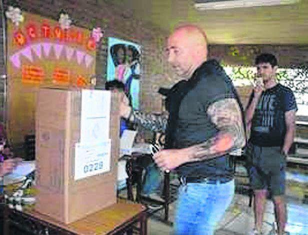 Sampaoli votó en Casilda
