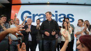 Jatón fue el más votado en la capital provincial y Lifschitz se sumó a los festejos