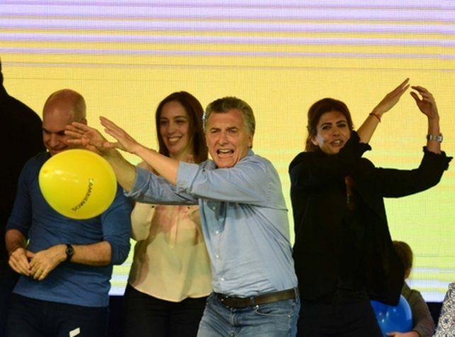 LA FELICIDAD. El presidente de la Nación clausuró una jornada pletórica en festejos oficialistas y convocó a ir por más cambios.
