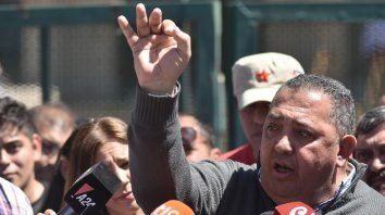 En su programa radial el dirigente se mostró muy enojado tras la derrota en las urnas.