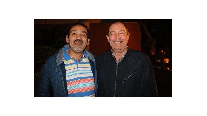 Reelecto. El concejal Rosales festejó junto al intendente Adrián Maglia.