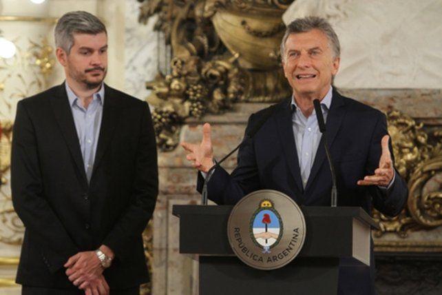 anuncios. Mauricio Macri y el jefe de Gabinete