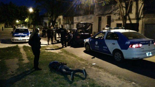 Tres detenidos en barrio República de la Sexta acusados de robar un automóvil