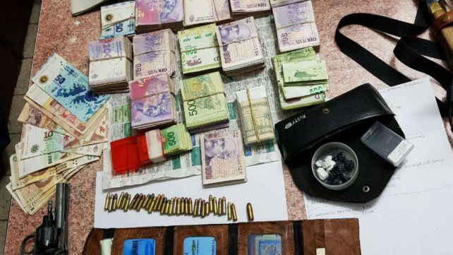 Cinco detenidos y secuestro de armas, drogas y dinero en un amplio operativo de la Federal
