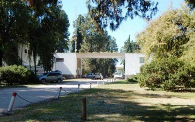 La Colonia Neuropsiquiátrica de Oliveros debe albergar al doble femicida por orden judicial.