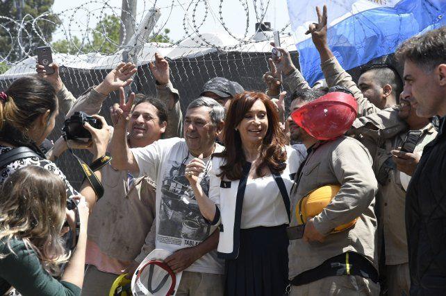 Cristina hizo corregir cuatro veces el acta de su indagatoria porque sospechaba que la filmaban
