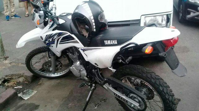 Llevaba droga en la moto, intentó escapar y terminó entregando a sus cómplices