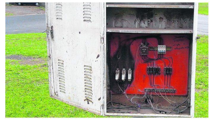 desde un tablero. La cuadrilla de la EPE detectó un cable clandestino.