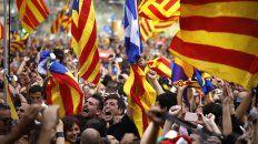 decenas de miles de independentistas estallan de jubilo en  barcelona
