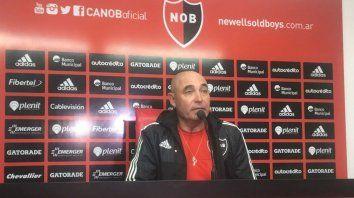 El entrenador de Newells, Juan Manuel Llop, destacó en conferencia de prensa el primer tiempo de su equipo.