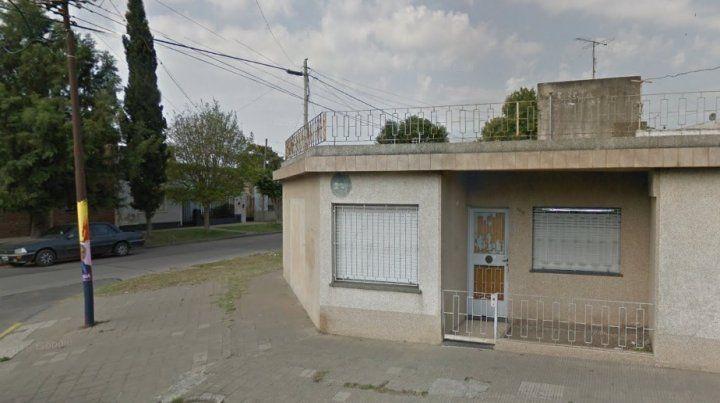 El comercio de Leiva al 5800 que anoche fue blanco de los delincuentes. (Foto: captura de street view)