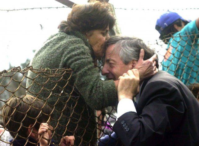 Cariño. Cristina publicó en Twitter una foto de Néstor tras un acto.