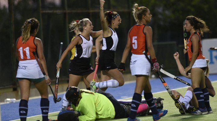 Victoria. Denise Wasisnki celebra en el quinto gol local a Tucumán.