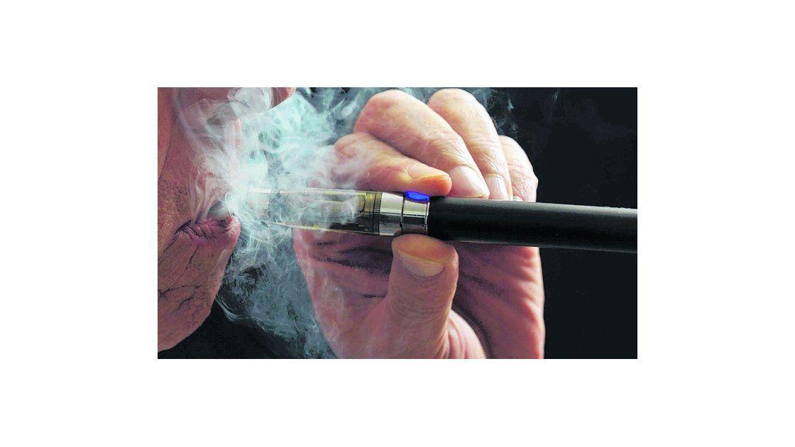 """""""El cigarrillo electrónico es un 95 por ciento menos dañino que el tabaco"""""""