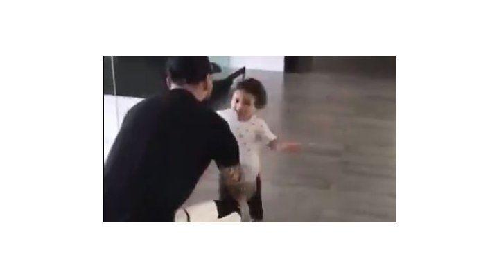 El tierno video de Mateo que corre a los brazos de su papá Messi