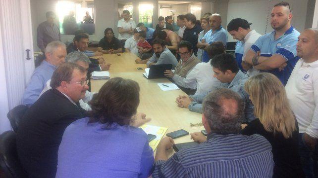 Hoy se llevó a cabo una reunión entre representantes del gremio y Unilever en la sede local de Trabajo.
