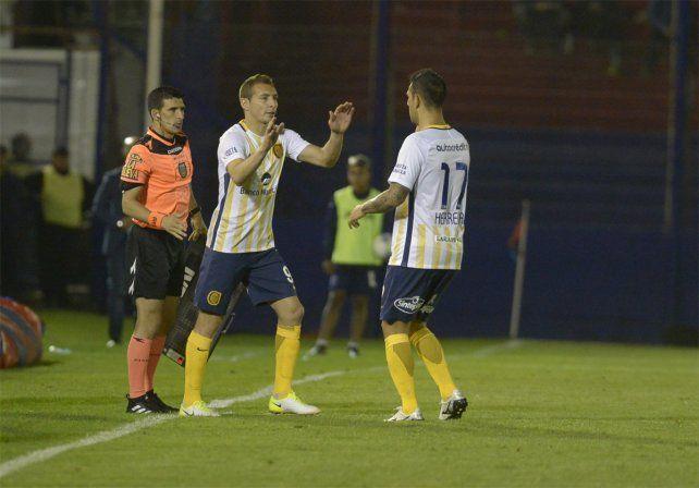 Ingreso goleador. Marco Ruben entró por Germán Herrera y rompió la racha negativa.