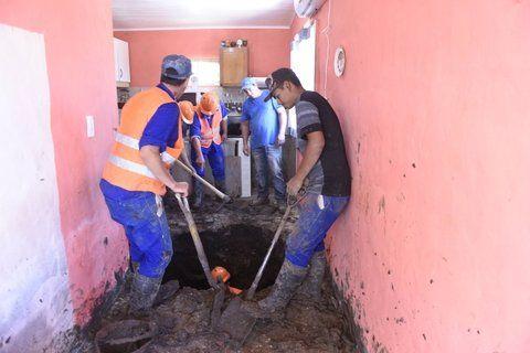 un pozo en la cocina. La vivienda irregular está ubicada en Pineda 6400.