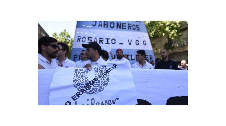 Angustia y solidaridad. Trabajadores de Unilever se movilizaron a Trabajo