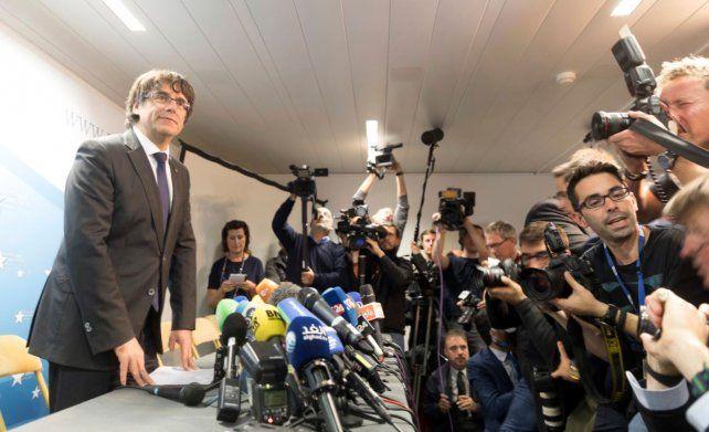 Puigdemont dice desde Bruselas que no busca asilo político pero demanda garantías para volver