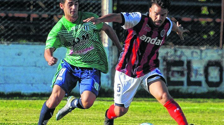 Gritó el primero suyo. Renzo Funes marcó el segundo gol de Córdoba en el triunfo ante Berazategui.