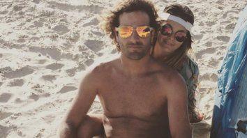 apasionado video de natalie perez chapando con su novio en las playas de brasil