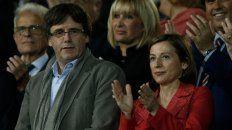 Sin escapatoria. Puigdemont y la presidenta del Parlamento regional, Carme Forcadell, al banquillo.