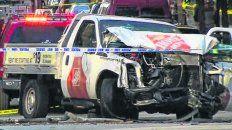 Impacto. La camioneta que arrolló a los ciclistas y que terminó con la vida de cinco rosarinos.