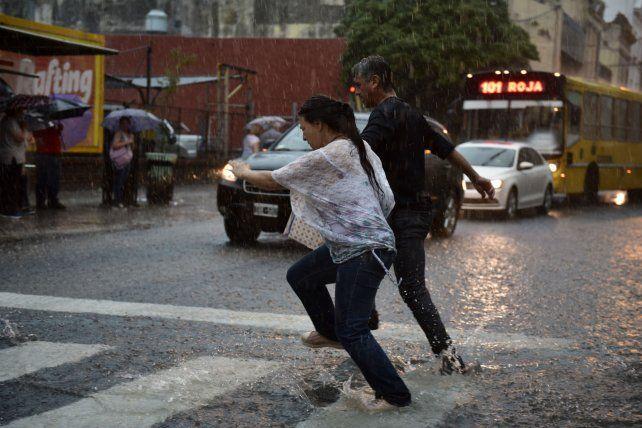 Rosario llega al jueves 2 de noviembre con mal tiempo.