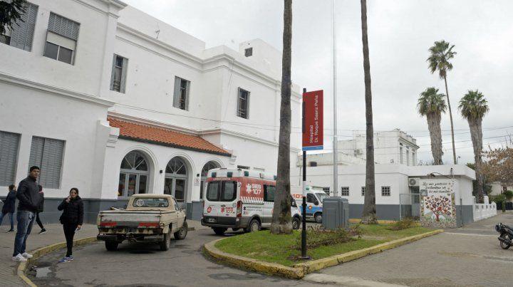 El joven de 19 años ingresó al Hospital Roque Saénz Peña.