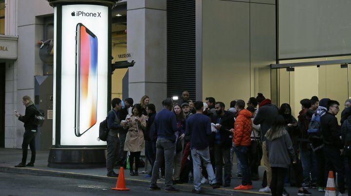 Tres delincuentes se robaron más de 300 Iphone X en la previa de su lanzamiento