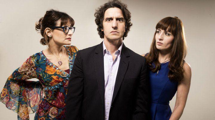 Agustina Cerviño y Paula Staffolani acompañan a Diego Peretti en esta aventura del teatro independiente porteño llamada Por H o por B.