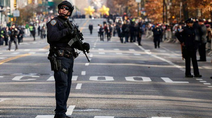 El Departamento de Policía de Nueva York reforzó la seguridad con agentes de civil y francotiradores.